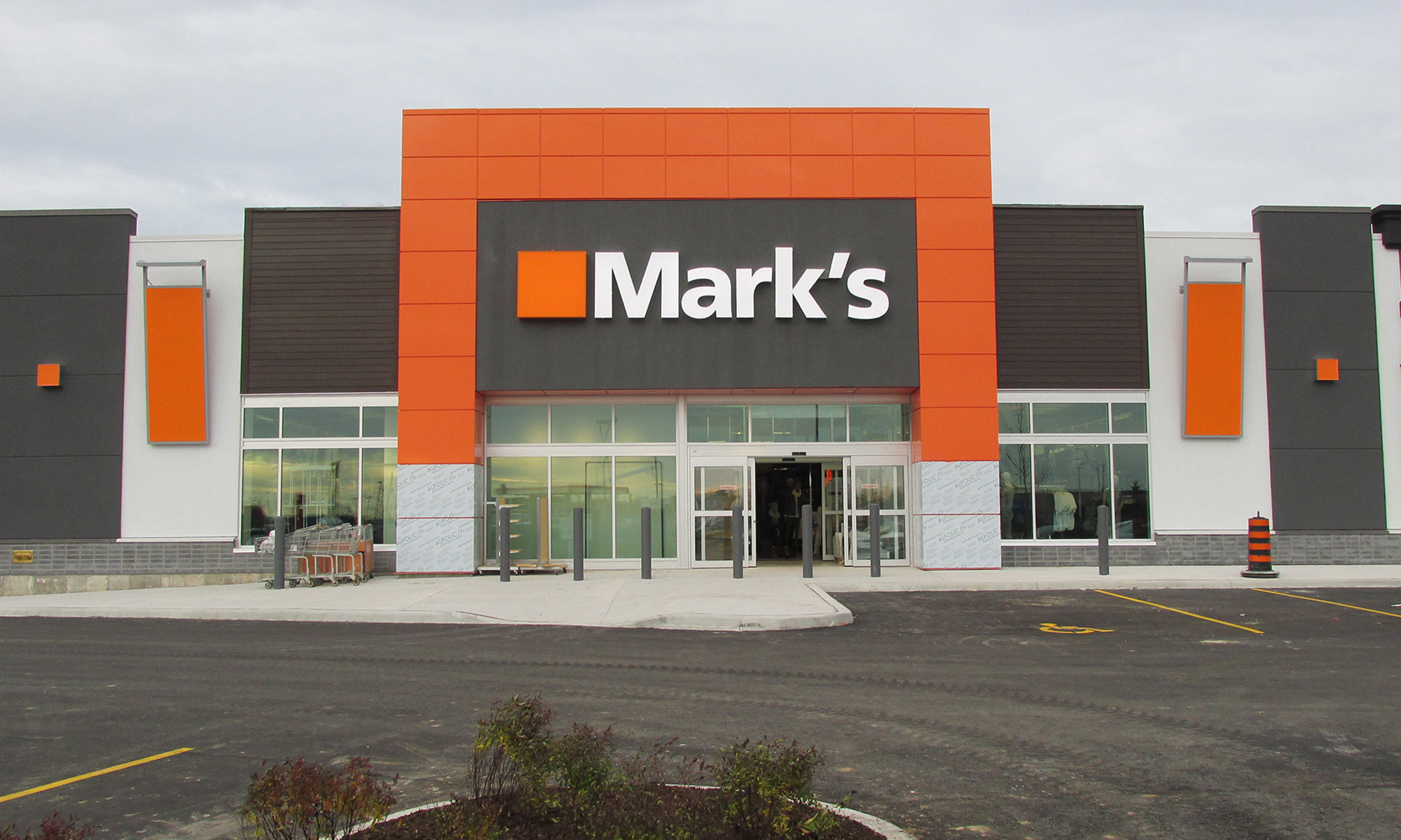 Marks Work Warehouse - Waterdown