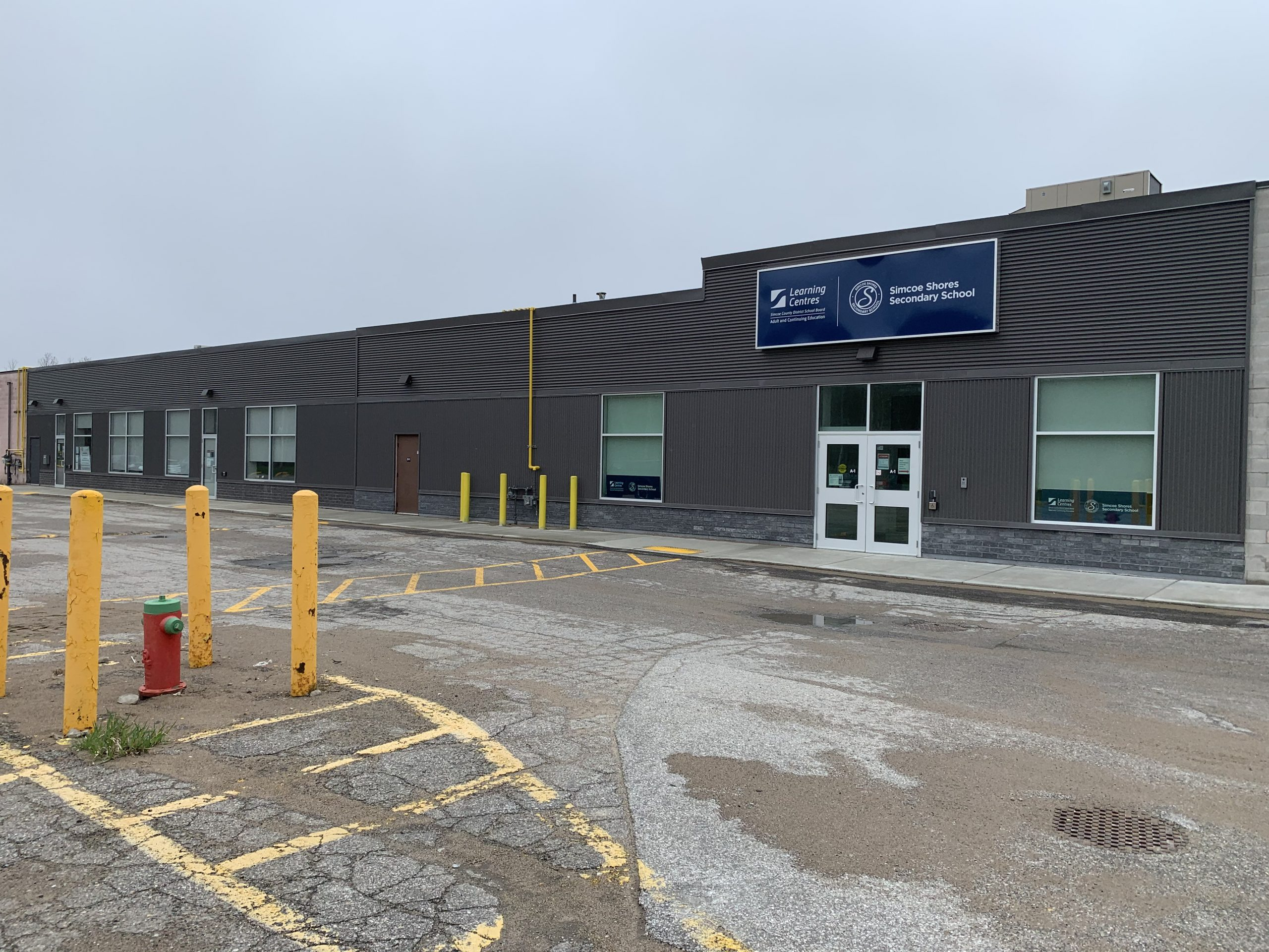 Exterior view of the Simcoe County District School Board's North Simcoe Learning Centre and Simcoe Shores Secondary School – Midland Campus. This project was managed by our Employee Spotlight feature, Jana Shneider